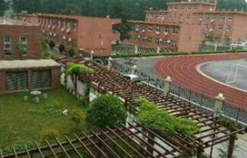 长安区第二职业中学